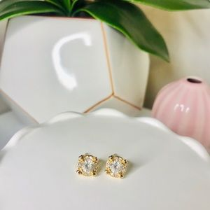 9K GOLD PLATED CLEAR CUBIC ZIRCONIA STUD EARRINGS